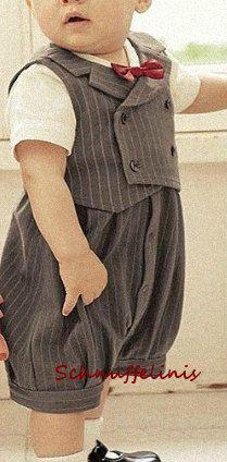 tuxedo Baby Smoking Body mit MONOGRAM Taufanzug von Schnuffelinis.de
