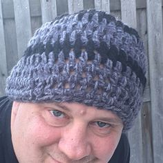 Great men's hat made with bulky soft yarn