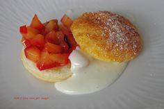 Sfogliatine alla crema http://blog.giallozafferano.it/noneunacasapermagri/sfogliatine-alla-frutta-ricetta-dolce/