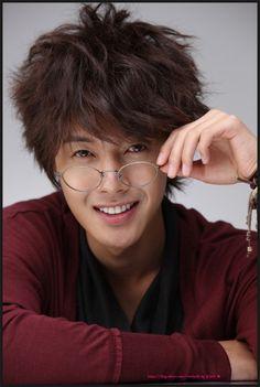 Kim Hyun Joong 김현중 ♡ glasses ♡ adorable ♡ Kpop ♡ Kdrama ♡