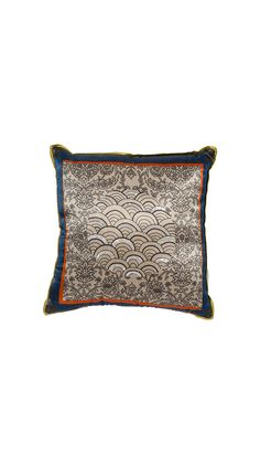 CUSHION SQUARE BIG DOT W/WAVES, TM collection