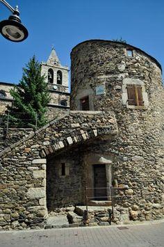 Llivia TORRE DE BERNAT DE SO   Cerdanya  Catalonia