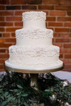 nice Pièce montée 2017 - Idée de gâteau de mariage blanc - gâteau de mariage à trois niveaux, blanc avec détail de perles de sucre ...