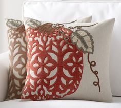 25 Cute & Cozy Fall Pillows with Farmhouse Style - making it in the mountains