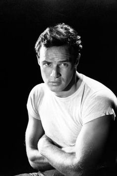 Photographic Print: A Streetcar Named Desire, Marlon Brando, Directed by Elia Kazan, 1951 : 24x16in