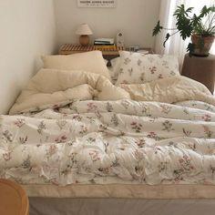Room Ideas Bedroom, Bedroom Inspo, Bedroom Decor, Decor Room, Decoration Inspiration, Aesthetic Room Decor, Cozy Room, Dream Rooms, My New Room