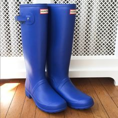 """Hunter Tour Packable Rainboots in cobalt blue Packable boots from Hunter - easily """"collapsed"""" in order to pack, but keep their shape when wearing. Brand new without box. May show minor signs of wear from being tried on in store.  Women's size 9 / 40.    No trades! Lower prices available on Ⓜ️ercari All photos are my own I ship Friday through Tuesday Low offers will be ignored... Sorry! Hunter Boots Shoes Winter & Rain Boots"""