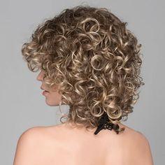 30 New Haircuts and Hairstyles for Short Curly Hair in 2020 Haircuts For Curly Hair, Curly Hair Cuts, New Haircuts, Curled Hairstyles, Trending Haircuts, Medium Hair Styles, Curls, Model, Fashion