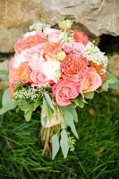 Pantone's 2019 Color: Living Coral Wedding Ideas – Page 2 – Hi Miss Puff. Peach, Green and White Bouquet. Peach and green wedding colors. Floral Wedding, Wedding Colors, Wedding Bouquets, Wedding Flowers, Blue Wedding, Bridesmaid Bouquets, Wedding Country, Spring Wedding, Bridesmaids