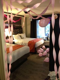 21 Creative Bachelorette Party Ideas the Bride-To-Be Will Love If you are searching for a few other methods to celebrate, here are some more ideas for celebrating the last huge fling! Hotel Sleepover Party, Hotel Bachelorette Party, Hotel Birthday Parties, Hotel Party, 18th Birthday Party, Bachlorette Party, Bachelorette Party Decorations, Bachelorette Weekend, Slumber Parties