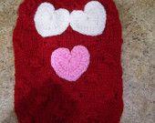 Artículos similares a Perro suéter rojo con corazones de armario de alta costura de Nina en Etsy