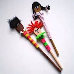 spoon crafts - Bing Images Pipe cleaners, scraps of fabric and paper, yarn