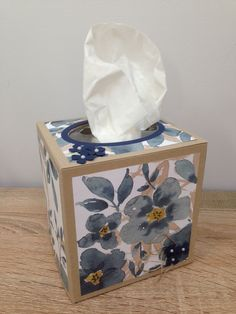 English Garden Tissue Box Cover
