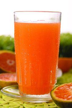 """Endulza y refresca este sábado con un delicioso """"JUGO DE MANDARINA"""" de la @reposteriaastor    www.elastor.com.co"""