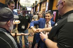 Tacoma-Seattle magicians Rick Anderson and Jeff Evans entertain for company parties, awards banquets, conventions, client appreciation nights, and more. Tulalip Casino, Magic Show, Trade Show, Corporate Events, Olympia, The Magicians, Evans, Entertaining, Celebrities