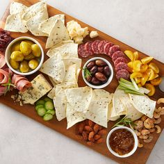You know what pairs perfectly with wine🍷? Our charcuterie board with our Rye-style chip. CHEERS! Diabetic Recipes, Keto Recipes, Easy Recipes, Blue Cheese Stuffed Olives, Assorted Nuts, Gluten Free Wraps, Thanksgiving Appetizers, Charcuterie Board, Yummy Appetizers