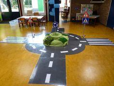 Thema het verkeer. Verkeersinformatie, de weg naar de Prins Clausschool is nog file vrij:)