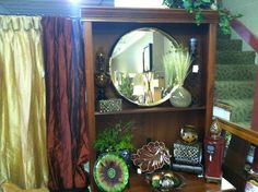Who doesn't love a mirror? Well, I do! Mirrors can complete a whole room!