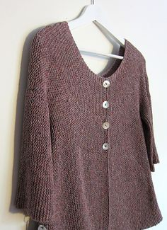 Lovely garter-stitch cardigan with an interesting construction and a lovely shape. Free ravelry pattern. Can be made for either summer or winter by varying the fibre content.