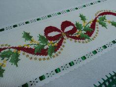 Cross Stitch Heart, Cross Stitch Borders, Cross Stitch Designs, Cross Stitching, Cross Stitch Patterns, Crewel Embroidery, Cross Stitch Embroidery, Embroidery Patterns, Christmas Table Cloth