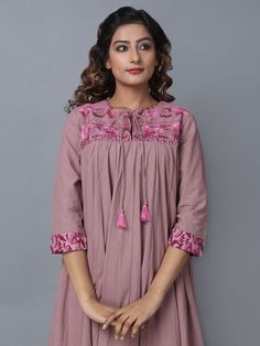 Stylish Dresses For Girls, Stylish Dress Designs, Dress Neck Designs, Designs For Dresses, Night Gown Dress, Simple Pakistani Dresses, Maternity Dress Outfits, Kids Frocks Design, Kurta Neck Design