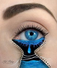 Beautiful art… This person is very talented to do such tedious techniques on an eyelid!!!!