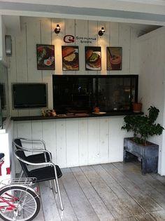 『ハンバーガーショップの外壁』
