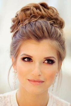 Hairstyles for weddings are of primary concern for every bride. It may be ravishing half up half down hairstyles or simple yet elegant wedding updo, but you should really know and feel it that it com (Prom Hair For Strapless Dress) Best Wedding Hairstyles, Homecoming Hairstyles, Trendy Hairstyles, Hairstyle Wedding, Prom Updo, Bridesmaids Hairstyles, High Bun Hairstyles, Short Haircuts, Bridesmaid Updo Hairstyles