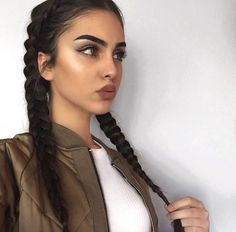 Beautiful hair styles, colors, and types Beauty Make-up, Beauty Hacks, Hair Beauty, Luxury Beauty, Actrices Sexy, Corte Y Color, Hair Inspo, Pretty Face, Cute Hairstyles