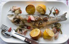 Λαυρακι με μυρωδικα Shrimp, Turkey, Fish, Chicken, Meat, Cooking, Recipes, Peru, Beef