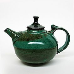 Perfect teapot by Peter Tappin Pottery Teapots, Ceramic Teapots, Ceramic Art, Ceramic Pottery, Chocolate Pots, Chocolate Coffee, Teapots Unique, Ceramic Techniques, Teapots And Cups