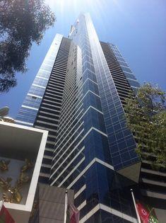 Eureka Tower, il grattacielo più alto di Melbourne (14esimo al mondo) con 278 metri. La vista dall'altro niente di speciale, tranne un po' di vertigini di cui io soffro.