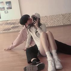 Uploaded by Find images and videos about love, couple and korean on We Heart It - the app to get lost in what you love. Couple Ulzzang, Ulzzang Girl, Korean Couple, Best Couple, Cute Relationship Goals, Cute Relationships, Cute Couples Goals, Couple Goals, Cute Korean