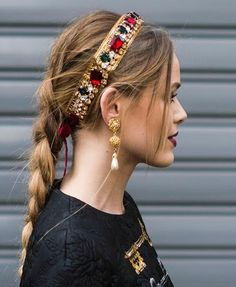 Bobby pins are bae 4 Embellished Hair Accessories to Spice Up the Worst Bad Hair Day Headband Hairstyles, Cool Hairstyles, Hairstyles 2016, Beautiful Hairstyles, Pink Und Gold, Gold Hair Accessories, Bad Hair Day, Fall Hair, Hair Jewelry