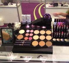 Flawless by Sonya Infused with the goodness of aloe, as well as the latest innovations that nature and science offer, flawless by Sonya™ products empower women from around the world to explore and express their individual perception of beauty. For more information visit http://santi.ca/products_list.php?articleID=sonyaMakeup