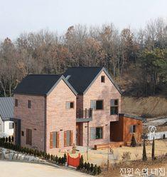습식시공까지 고려한 스마트한 건축_ 한국형 중목구조 주택 : 네이버 포스트 Home Fashion, Building A House, Architecture Design, Brick, Exterior, Fire, Cabin, House Styles, Home Decor