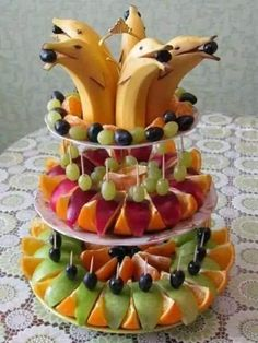 Best fruit vegetable veggie tray ideas for parties fun vegan food recipes Fruit Decorations, Food Decoration, Fruit Decoration For Party, Cute Food, Good Food, Yummy Food, Delicious Fruit, Fruit Recipes, Cooking Recipes