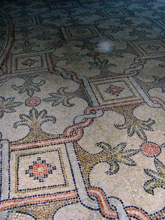 "Mosaic Italian ancient floor. Courses start June 2014. Please contact The Vocational Arts and Crafts Training Centre 'Virgilio Alterocca"" of Terni, Italy: cdfartiemestieri@gmail.com"