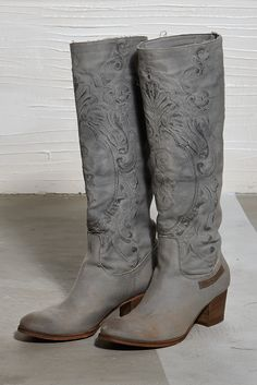 331d4fbce Daniela Dallavalle SS15  laces  collection  ss15  boot  elisacavaletti   accessories  fashion
