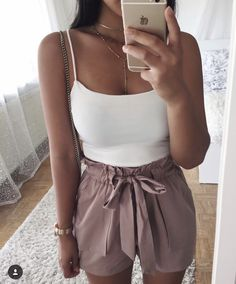 Tell us about this Pin buyantlerchandeli – fashion quotes style Cute Summer Outfits, Cute Casual Outfits, Short Outfits, Spring Outfits, Cute Shorts Outfits, Summer Date Night Outfit, Mode Outfits, Fashion Outfits, Womens Fashion