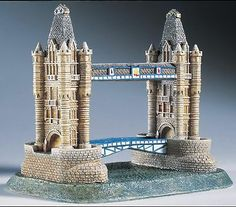 Lilliput Lane Tower Bridge, London Miniature