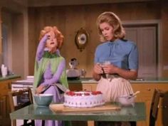 Bewitched Elizabeth Montgomery, Strega, Picture Movie, Old Tv Shows, Movies Showing, Life Lessons, Retro Fashion, Favorite Tv Shows, Youtube