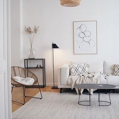 What's Decoration? Decoration could be the art of decorating the interior and exterior of the building type buildings we build. Decor Room, Living Room Decor, Diy Home Decor, Nordic Living Room, Decor Scandinavian, Minimalist Scandinavian, Minimalist Room, Style At Home, Home Fashion