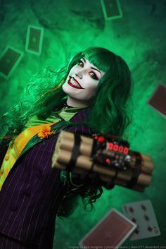Female Joker from Batman - Daily Cosplay . Dc Cosplay, Anime Cosplay, Cosplay Del Joker, Female Joker Cosplay, Cosplay Outfits, Best Cosplay, Cosplay Girls, Cosplay Costumes, Batman Cosplay