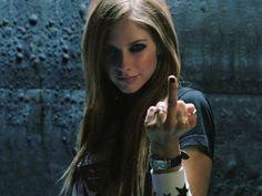 Image on FunMozar  http://funmozar.com/wp-content/uploads/2014/08/Avril-Lavigne-Wallpapers-24.jpg