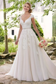 This Cap Sleeve Wedding Dress With Cameo Back From Stella York Is A Sweet Reminder Of Feminine Style Matte Lace Creates Shadow Effect Throughout