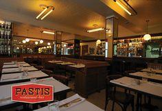 Pastis is een klassieke bistro in het centrum van Den Haag.  Onze menukaart bevat gerechten uit de Parijse keuken, alles wordt vers en à la minute bereid. Naast eten kunt u in Pastis terecht voor een drankje.