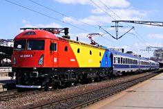 railway trains Old Steam Train, Electric Locomotive, Train Travel, Romania, Illinois, Diesel, Transportation, Journey, Santa Fe