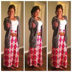 Lularoe Maxi. Super cute with dropped belt and cardigan Lularoe Clothes, Lularoe Dresses, My Lularoe, Lularoe Maxi Skirt, Maxi Skirts, Maxi Styles, Maxi Outfits, Fashion Outfits, Womens Fashion