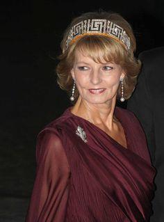 First Daughter, The Crown, Descendants, Edinburgh, Margarita, Royals, Love Her, Sari, Bling